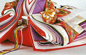 袖の重ね 伝統の於女里(おめり)仕立て