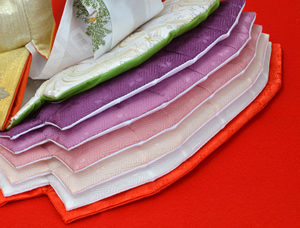 裾の縫合わせ 特別な技法で最上級の美しさ